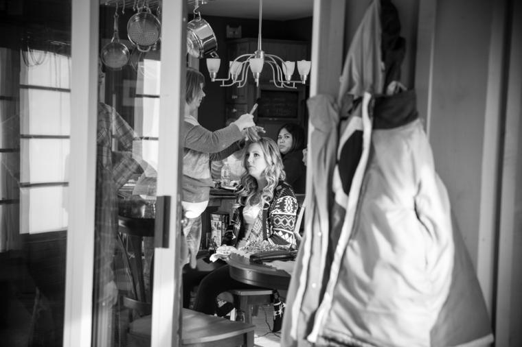 010-S&C_Girls Getting Ready-036