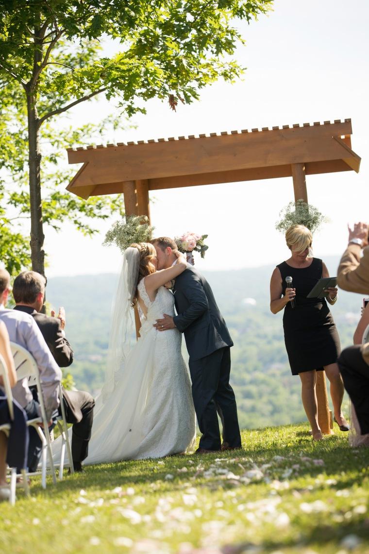 053_053055E&J_Ceremony_110